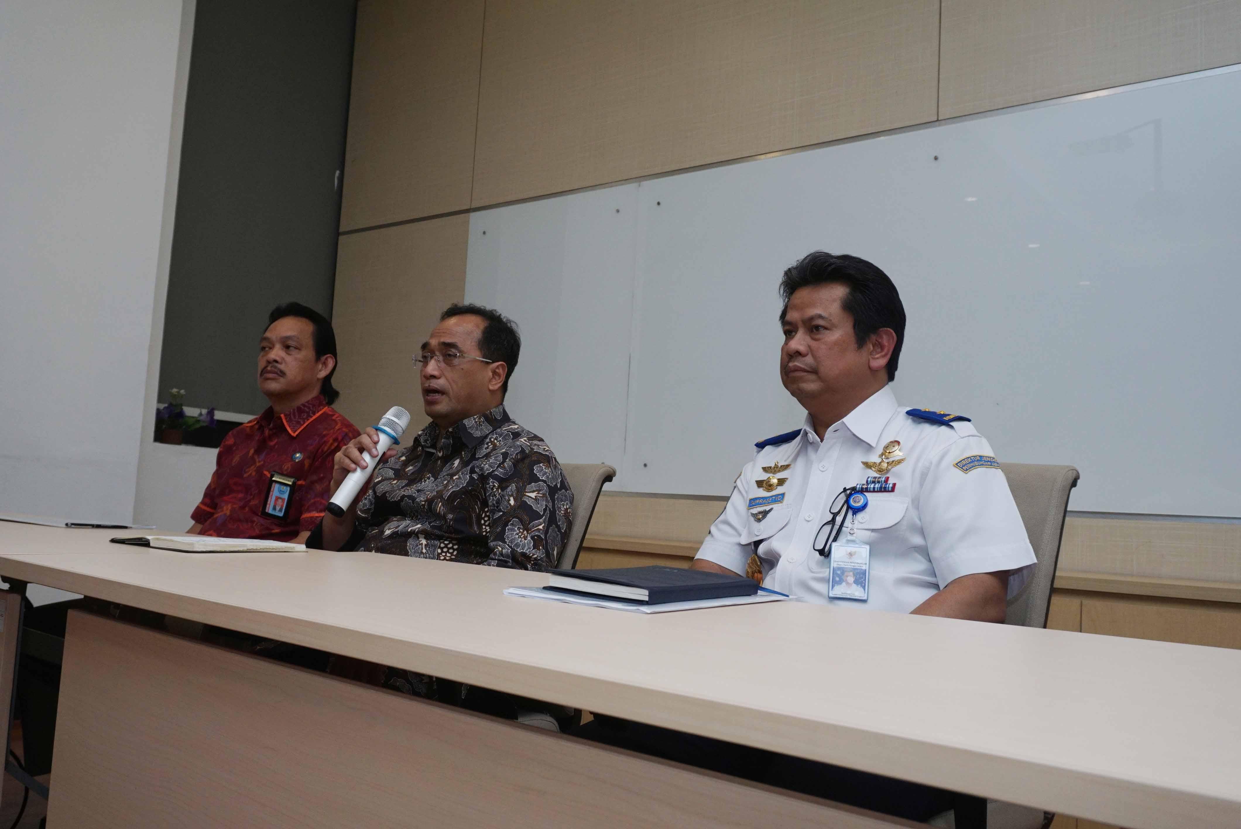 www.infopenerbangan.com