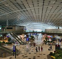 HKIA_Midfield_Concourse_1s_c_KerunIp_AAHK