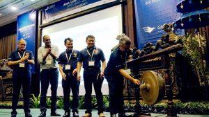 Kasubdit Produk Aeronautika DKPPU Kus Handono meresmikan Asia Cost Savings Symposium di Bali, didampingi Plt Direktur Utama GMF I Wayan Susena, Direktur Batam AeroTeknik I Nyoman Rai Pering, CEO Jet Parts Engineering Anu Goel, dan Direktur Utama Citilink Juliandra.